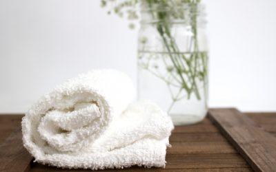 Usos del agua oxigenada en la belleza y el hogar