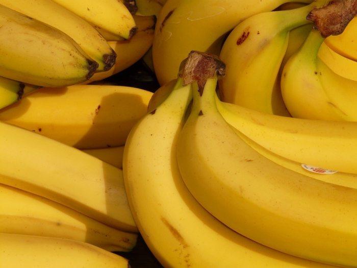 Mascarilla de plátano, aceite de coco y cúrcuma